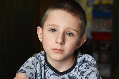 Семилетнего Антона спасет срочная операция на позвоночнике. Ему нужна ваша помощь
