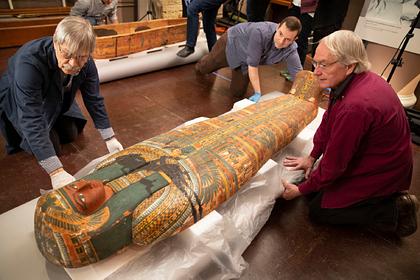 Внутри древнего саркофага нашли тайный текст