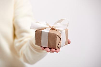 Россияне вспомнили самые бесполезные и странные подарки
