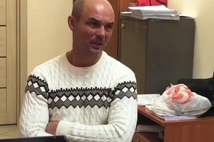 Мать брошенных в Шереметьево братьев подала в суд на их отца