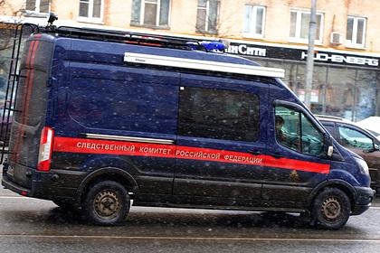 Экскаваторщик нашел мертвую россиянку в бочке с отходами
