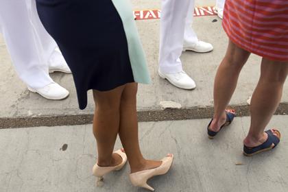 Активистка сагитировала женщин отказаться от каблуков и прославилась