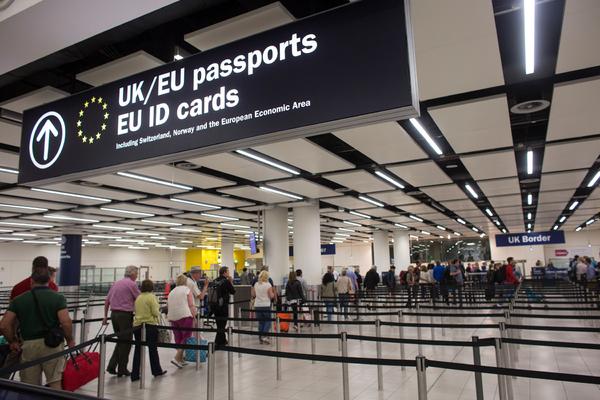 Британия ужесточит правила получения виз для граждан Евросоюза