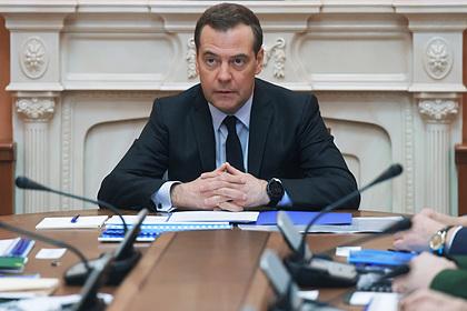 Медведев рассказал о приходе в политику благодаря Собчаку