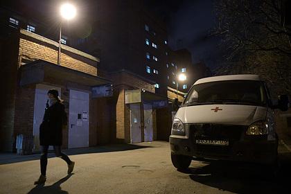 Главврача Боткинской больницы уволили после побега пациентов из-под карантина