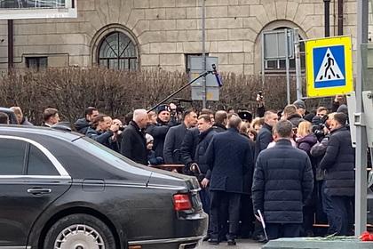 Путин пообщался с людьми в Санкт-Петербурге