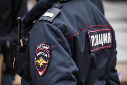 Банда лжеполицейских избила и ограбила семью российского пенсионера