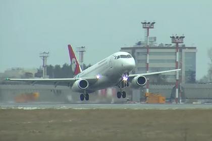 Опасная посадка Sukhoi Superjet 100 в шторм попала на видео