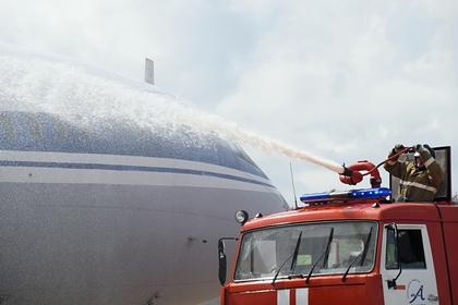 Самолет ударился о землю при взлете в Магадане