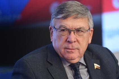 Российский сенатор пристыдил звезд из-за жалоб на маленькие пенсии