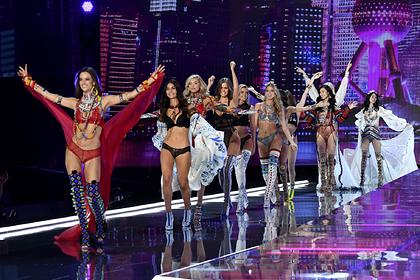 Названа цена скандального бренда нижнего белья Victoria's Secret