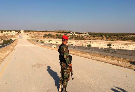 Сирийский солдат на трассе М5