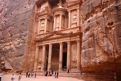 Туриста убило камнем при посещении чуда света