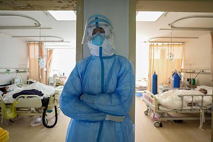 В России выдвинули две версии передачи коронавируса