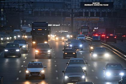 Идею повысить налог на старые автомобили в России объяснили