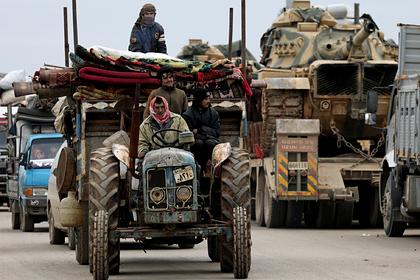 Россия опровергла данные о бегстве сотен тысяч сирийцев к границе с Турцией