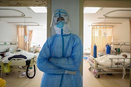Китаец вылечился от коронавируса и снова заразился им