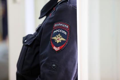 Россиянка годами запирала детей одних дома без еды