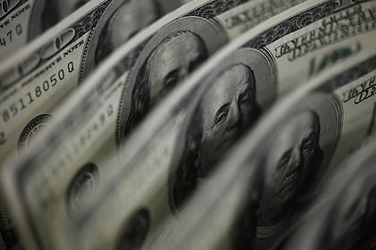 Доллар взлетел из-за коронавируса