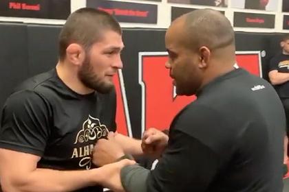Бывший чемпион UFC пообещал разбить Нурмагомедову лицо «как в прошлый раз»
