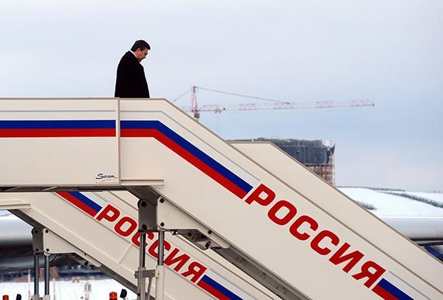 Виктор Янукович в аэропорту Внуково