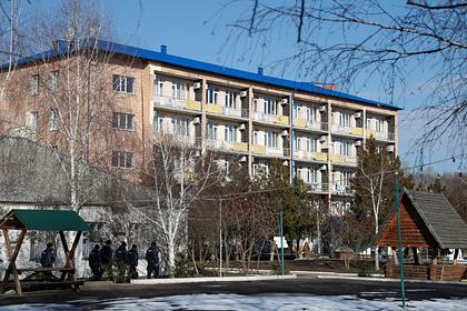 Зеленский отправил к эвакуированным из Уханя украинцам секретаря СНБО