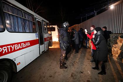 У перевозившего эвакуированных из Китая украинцев водителя поднялась температура