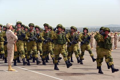 МИД заявил о восьми нападениях террористов на базу России в Сирии