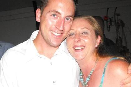 Женщина перенесла 66 операций и лишилась конечностей после встречи с мангустом
