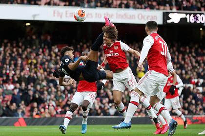 Форвард «Эвертона» забил мяч «Арсеналу» ударом через себя на первой минуте игры