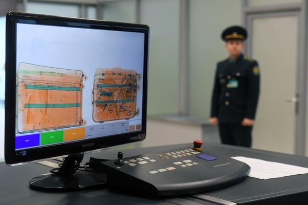 Замглавы таможенного поста в Шереметьево заподозрили в получении взятки