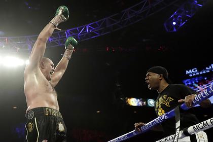 Отец Фьюри призвал сына уйти из бокса после победы над Уайлдером