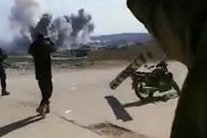 Протурецкие боевики побросали оружие ради видео с атакой российских ВКС
