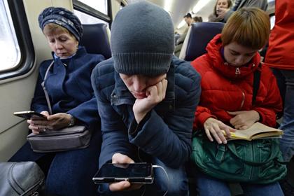 Россияне признались в нехватке времени на личную жизнь из-за работы