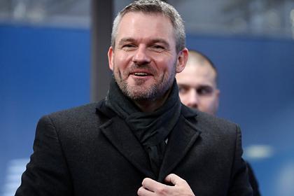 Заболевший премьер Словакии опроверг слухи о коронавирусе перед визитом в Москву