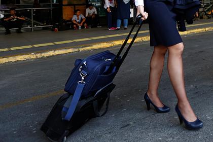 Авиакомпания уволила поправившуюся на полкилограмма стюардессу и была оправдана