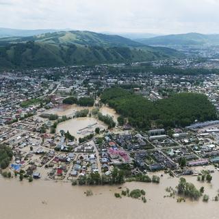 Затопленные дома в селе Майма Республики Алтай (Сибирский федеральный округ)