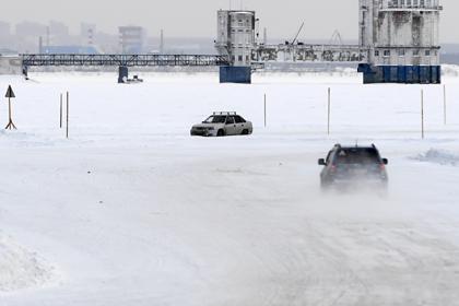 Ледовые переправы под Архангельском начали закрывать раньше из-за теплой погоды