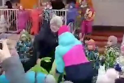 В российском детсаду включили песню про водку, пиво и вино на Масленицу
