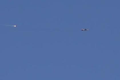 Российские и сирийские военные атаковали боевиков в Идлибе с воздуха