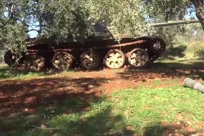 Опубликовано видео атаки боевиков-танкистов в Идлибе
