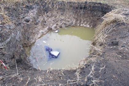 Россиянка утонула в разрытой коммунальщиками яме