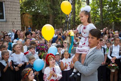 Четверть украинцев высказалась против образования на русском языке