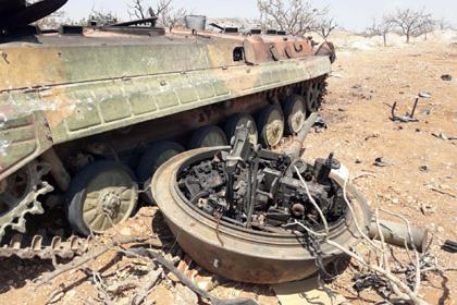 Выдающих все подбитые танки за Т-90 ради премий боевиков высмеяли в сети
