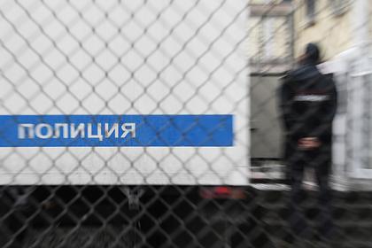 Пытавшегося зарезать учительницу российского школьника отправили в СИЗО
