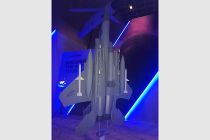 Boeing показал F-15EX с гиперзвуковой ракетой
