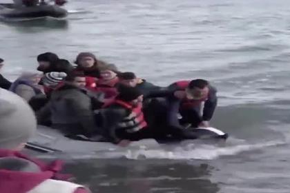 Бегущие из Турции сирийские беженцы попали на видео