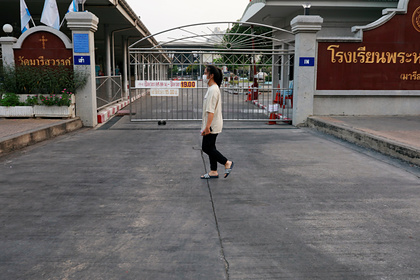 Первую смерть из-за коронавируса зафиксировали в Таиланде