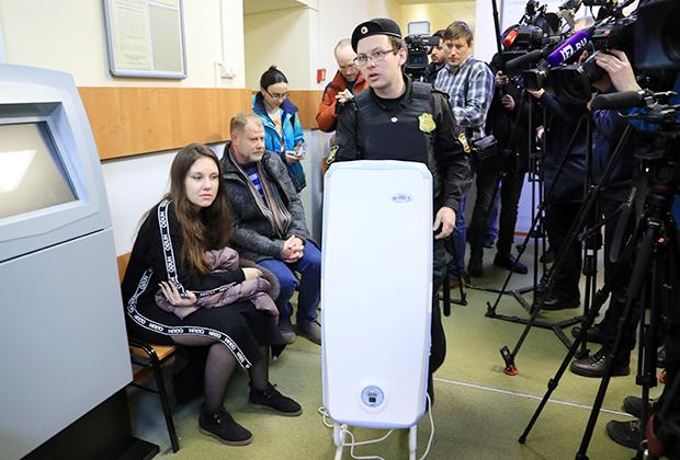 Петербурженка Алла Ильина (слева) на суде по иску главного санитарного врача Санкт-Петербурга