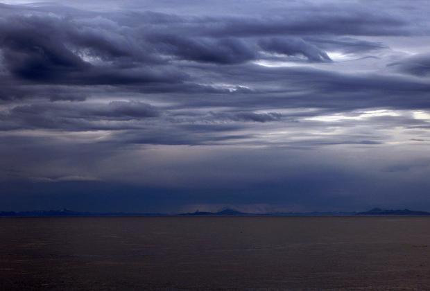 Вдали тихоокеанское побережье Чили
